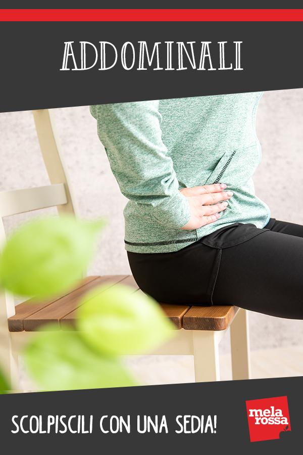 Ejercítate con la silla para tonificar los abdominales