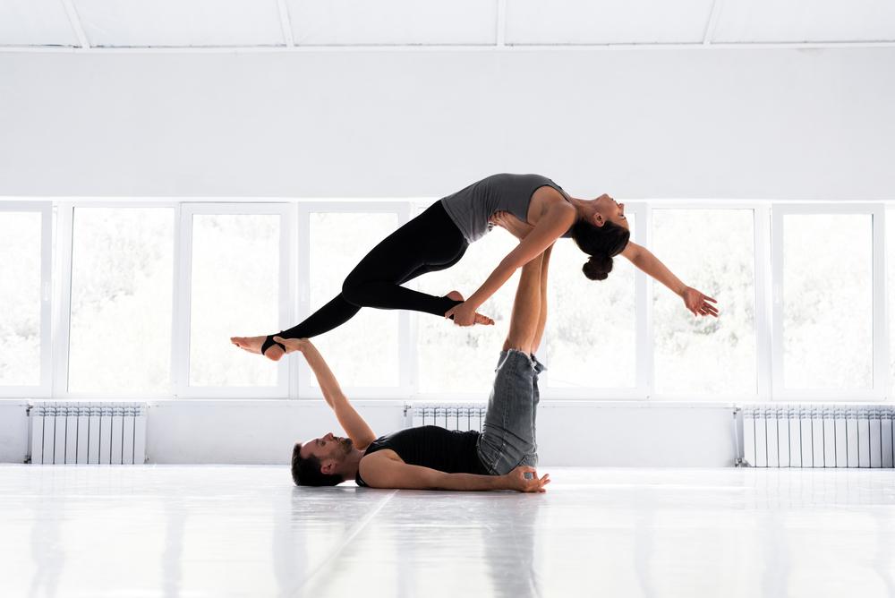 beneficios del yoga para parejas