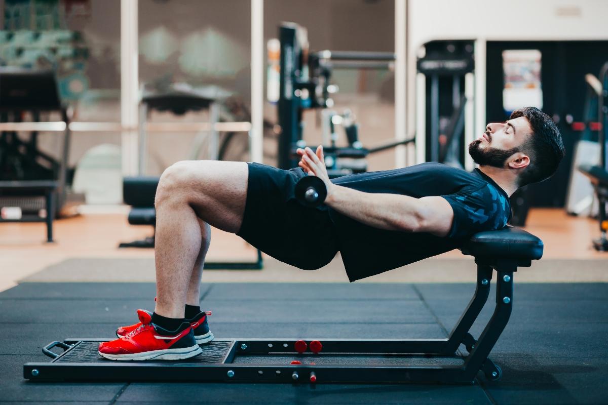 empuje de cadera: qué es, beneficios, cómo hacerlo y desafío