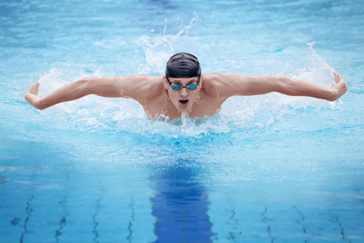 errores a evitar en la natación: cómo respirar durante el entrenamiento de natación